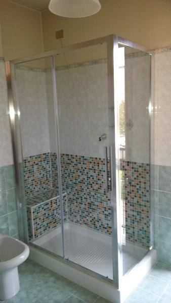 Sostituzione vasca con doccia 1 edil arredo milano for Arredo bagno con box doccia