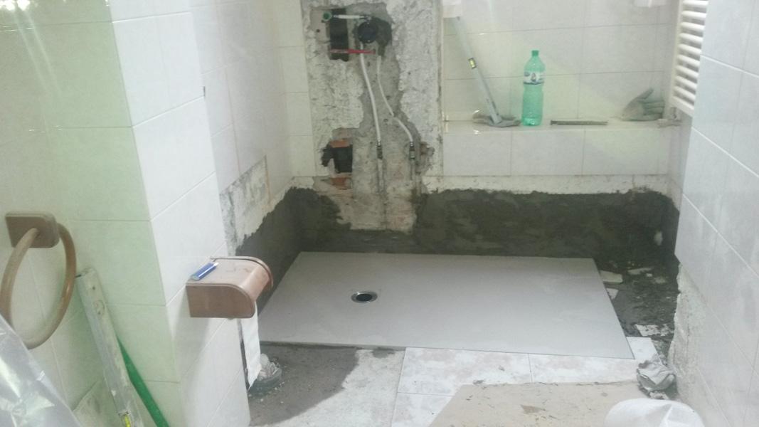 Cambio Vasca Con Doccia: Sostituzione vasca con box doccia.